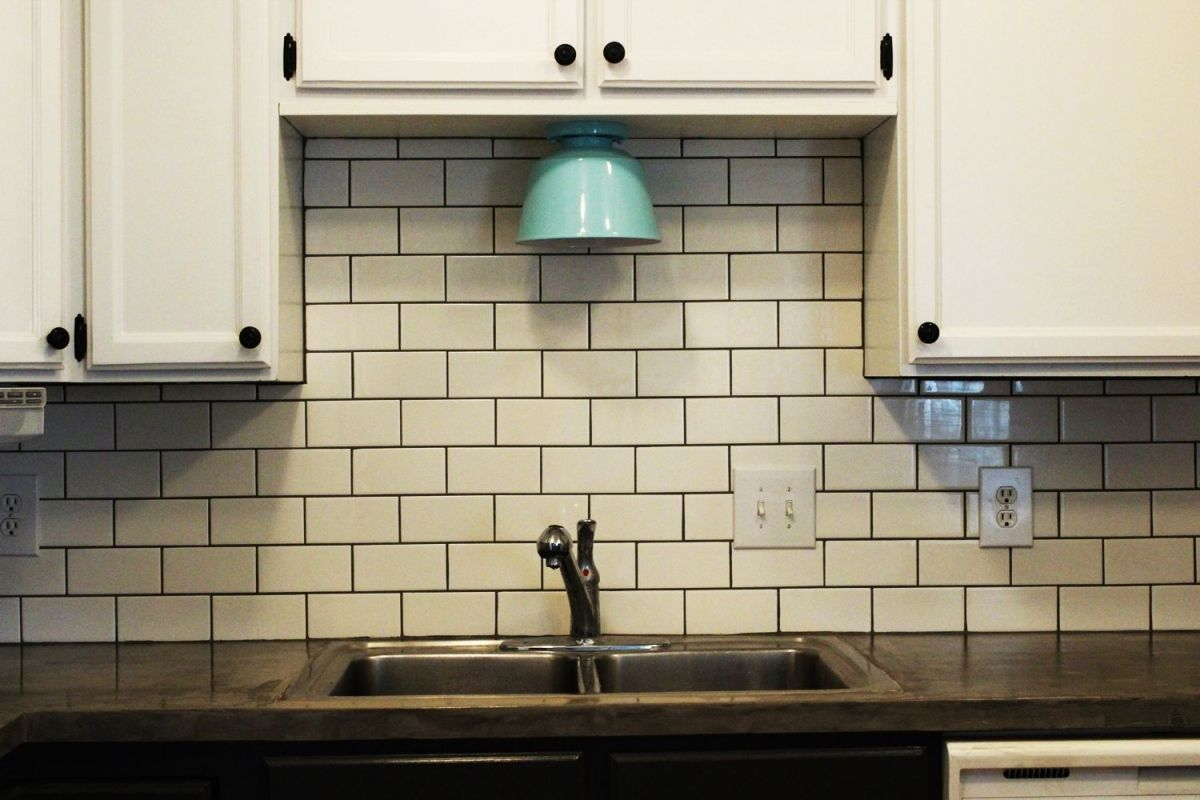 Blog Difference Between Kitchen Backsplash Tile Subway Tile